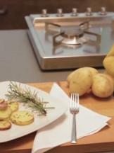 patate con buccia tagliate e infornate Sale&Pepe