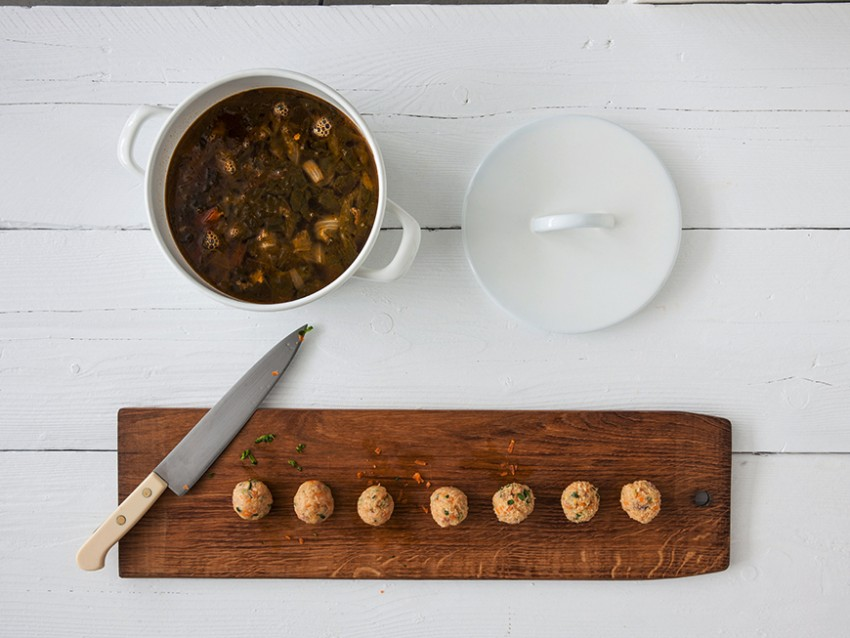 polpettine di triglia e branzino in brodo vegetale Sale&Pepe immagine