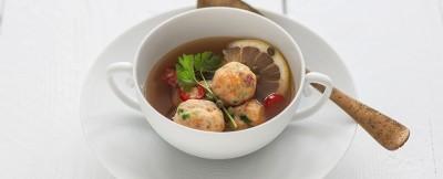 polpettine di triglia e branzino in brodo vegetale ricetta