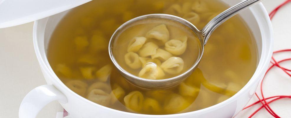 tortellini-brodo-bolognese