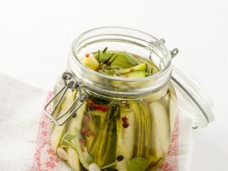 Cetrioli sott'aceto agli aromi