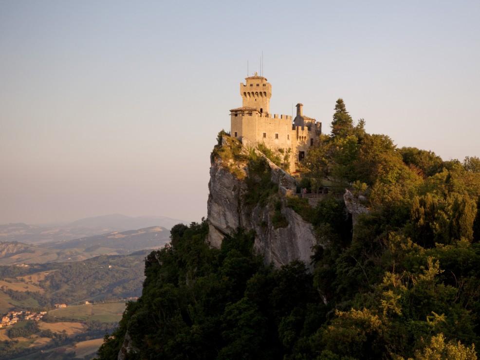San Marino, la Torre Cesta, una delle tre torri storiche sul Monte Titano