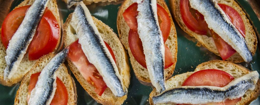 Anchovy and tomato crostini