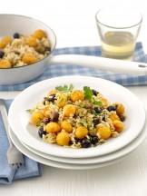 riso integrale con olive e polpette di carote Sale&Pepe ricetta