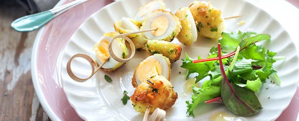 spiedini di uova di quaglia fritte con maionese di carote ricetta Sale&Pepe