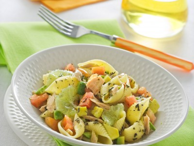 Insalata di pasta con avocado e lime