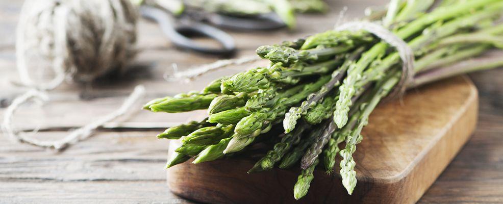 Cucinare gli asparagi selvatici - Credits: Shutterstock