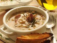 Zuppetta tiepida di farro e legumi al prosciutto