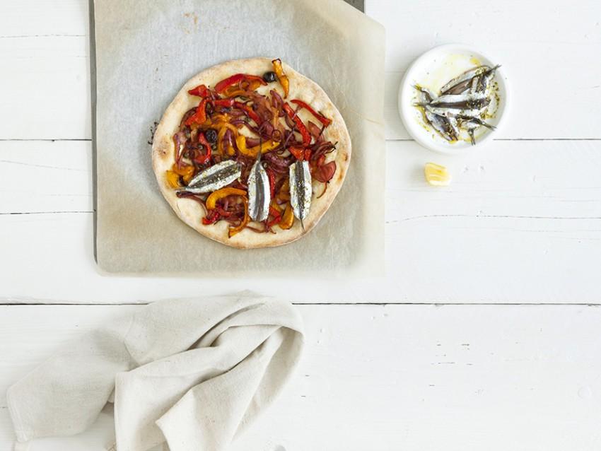 ricetta pizza bianca con doppia lievitazione e doppia acciuga Sale&Pepe