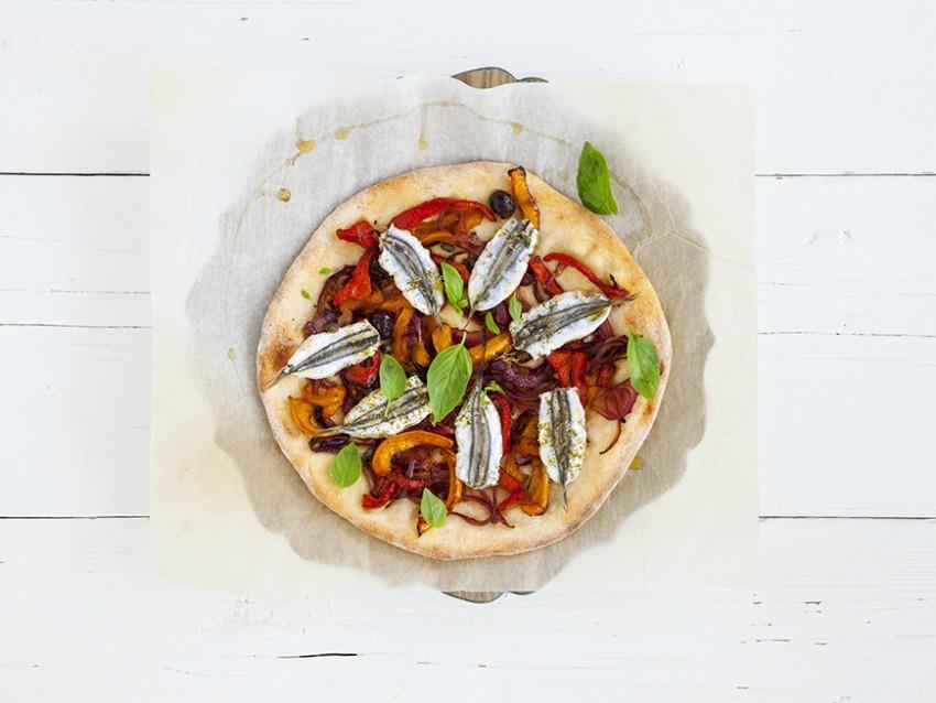 pizza bianca con doppia lievitazione e doppia acciuga Sale&Pepe