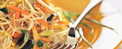 spaghetti di riso e verdure  ricetta