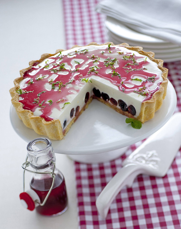 Torta con bavarese di yogurt e ciliegie sale pepe for Ricette dolci estivi