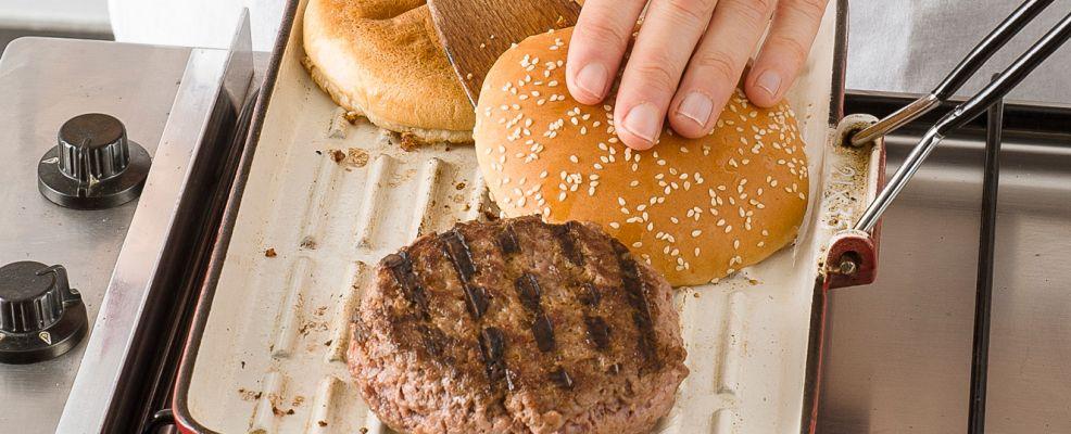 Come cucinare gli hamburger a casa