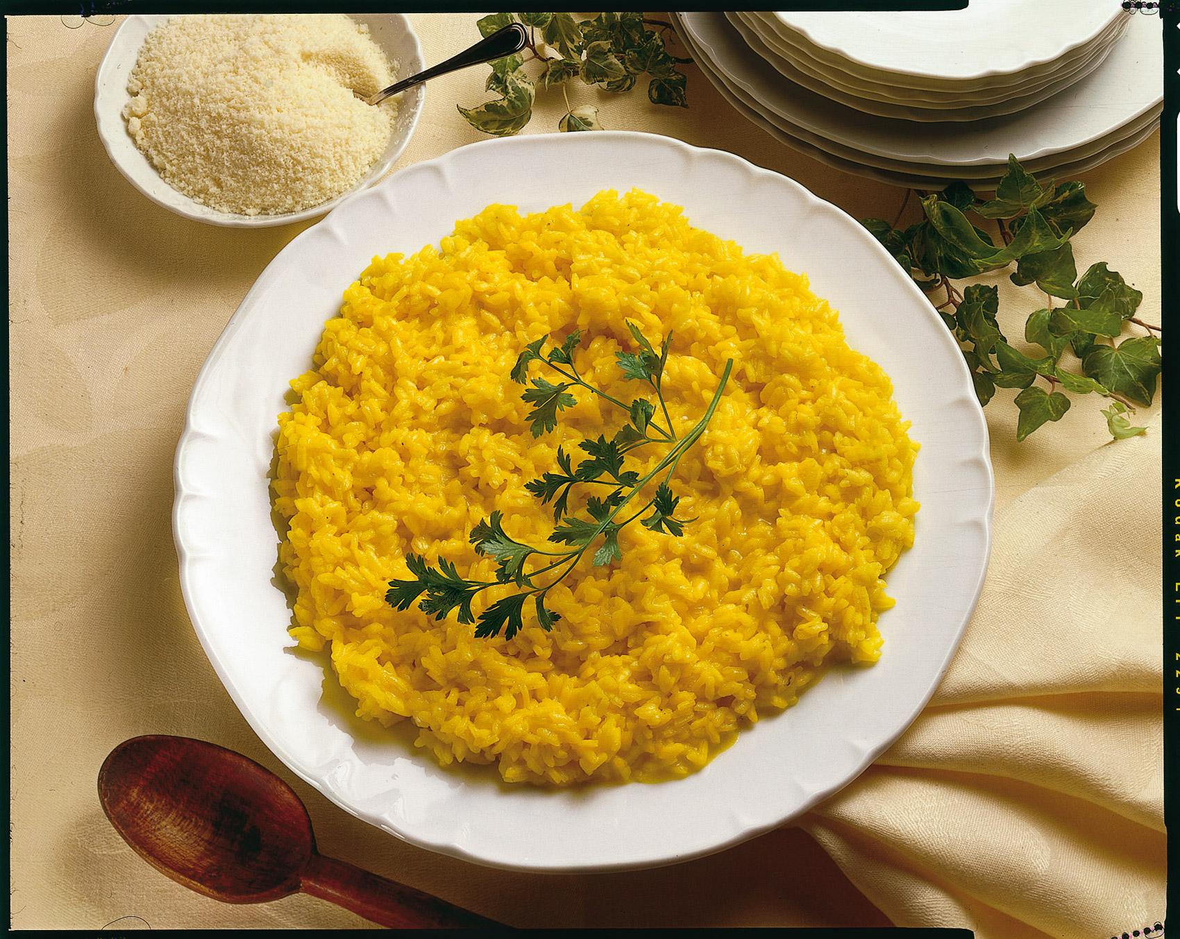Come cucinare il risotto allo zafferano sale pepe for Cucinare risotto