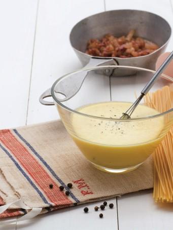 Pasta alla carbonara tradizionale
