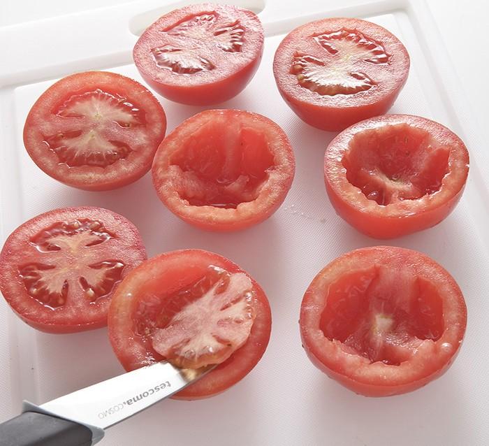 Pomodori ripieni al basilico step 1