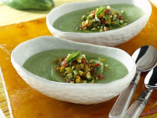 Zuppa di cetrioli e avocado