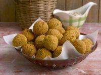 Polpette vegetariane fritte - Credits: Corbis