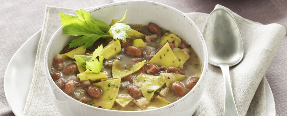 Maltagliati con fagioli e pesto di olive