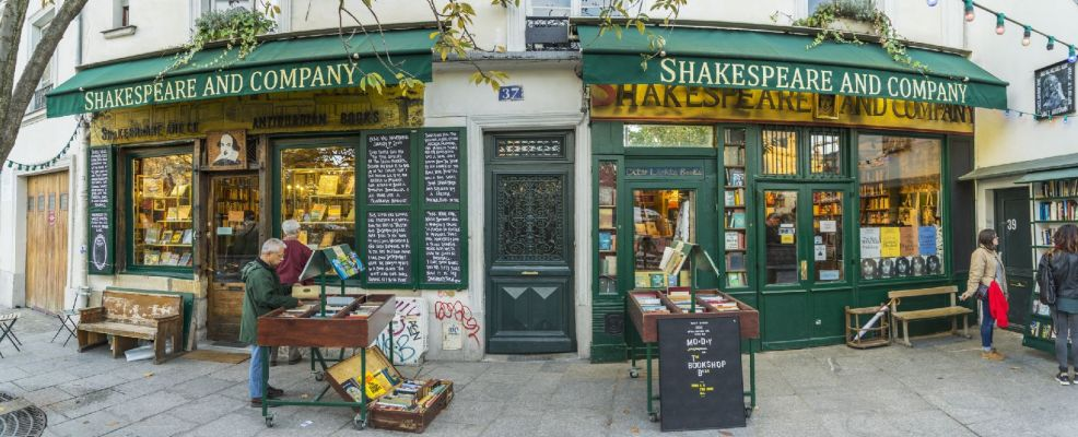 Shakespeare and Company bookshop, Latin District