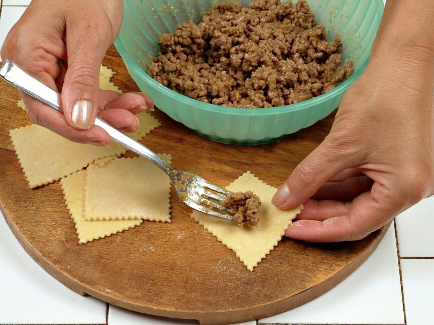 Ricetta agnolotti in brodo: step 2