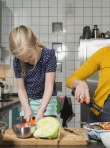 Frutta e verdura ai bambini: 8 trucchi