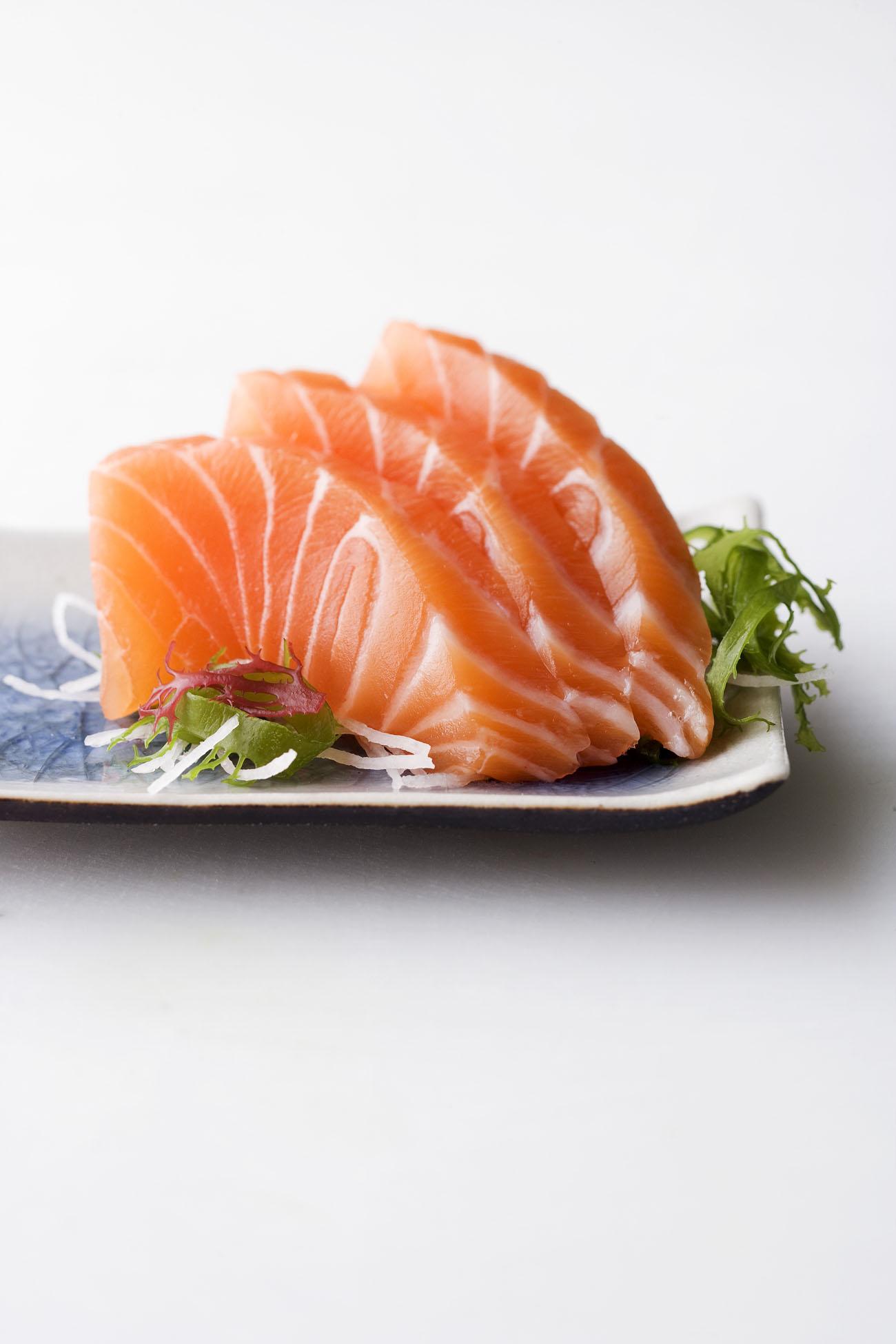 Come preparare il salmone norvegese sushi, sashimi e altre ricette
