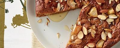 torta vegana di mandorle e pere