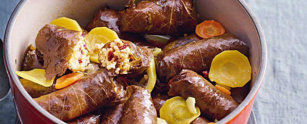foglie di vite con ripieno di miglio e frutta secca Sale&Pepe ricetta