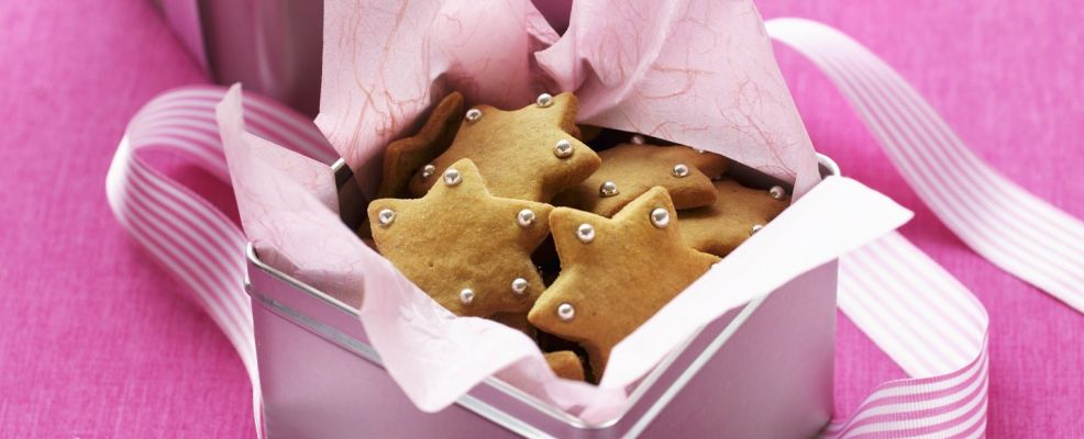 Star biscuits to give as a Christmas gift