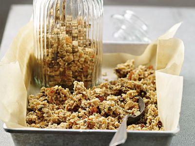 granola di semi e frutta secca ricetta