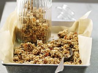 granola di semi e frutta secca Sale&Pepe ricetta
