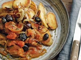 stufato di seitan con olive e patate Sale&Pepe ricetta