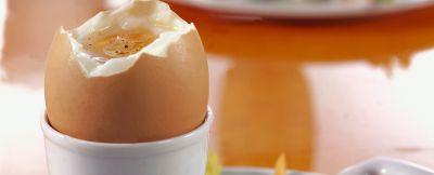 uovo alla coque con pinzimonio ricetta