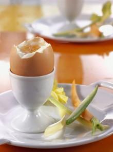 Uovo alla coque con pinzimonio