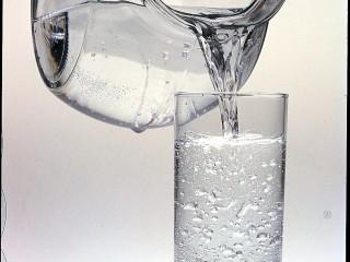 acqua-minerale-leggere-etichetta