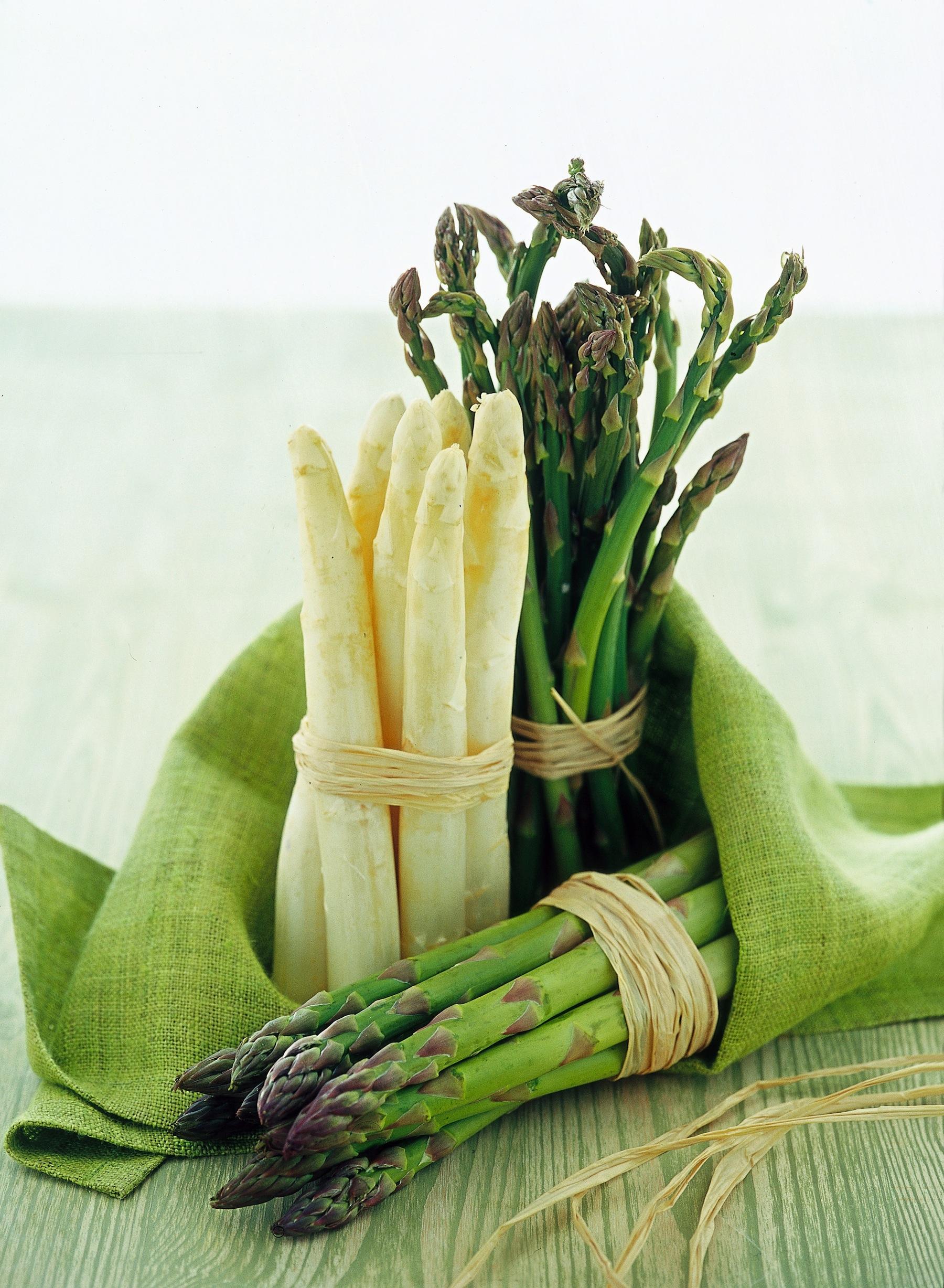 Come cucinare gli asparagi sale pepe - Come cucinare gli spatzli ...