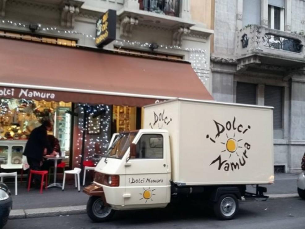 Ad ogni morso Daniele aprirà davanti agli occhi un mondo incantato fatto di dolci tentazioni. Nel truck I Dolci Namura è possibile trovare pasticceria di altissimo livello, lavorata ad arte per essere gustata anche in strada.