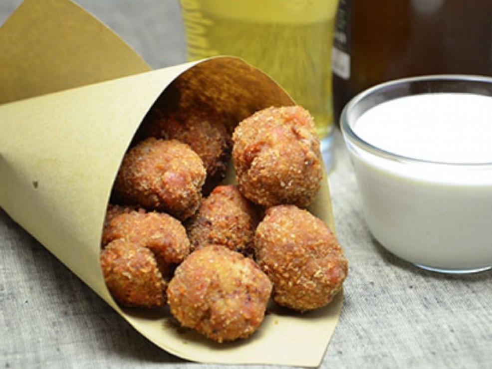 La polpetteria La polpetta non ha più segreti per la Chef Roberta Lamberti: mix di ingredienti di qualità e maestria nella preparazione creano un esplosione di gusto per chi assaggia le sue fantastiche polpette.