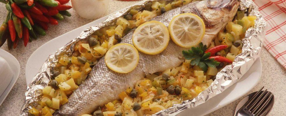 branzino al forno nel cartoccio Sale&Pepe ricetta