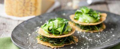 Millefoglie di cialde di Grana Padano con verdure ricetta