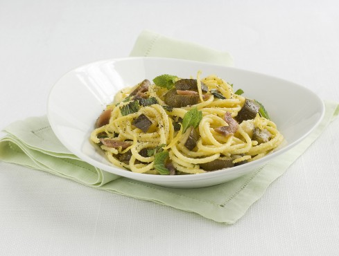 pasta-zucchine-acciughe-menta ricetta Sale&Pepe