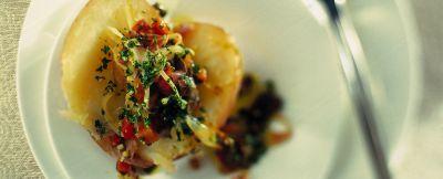 patate al forno con salsa di peperoni ricetta