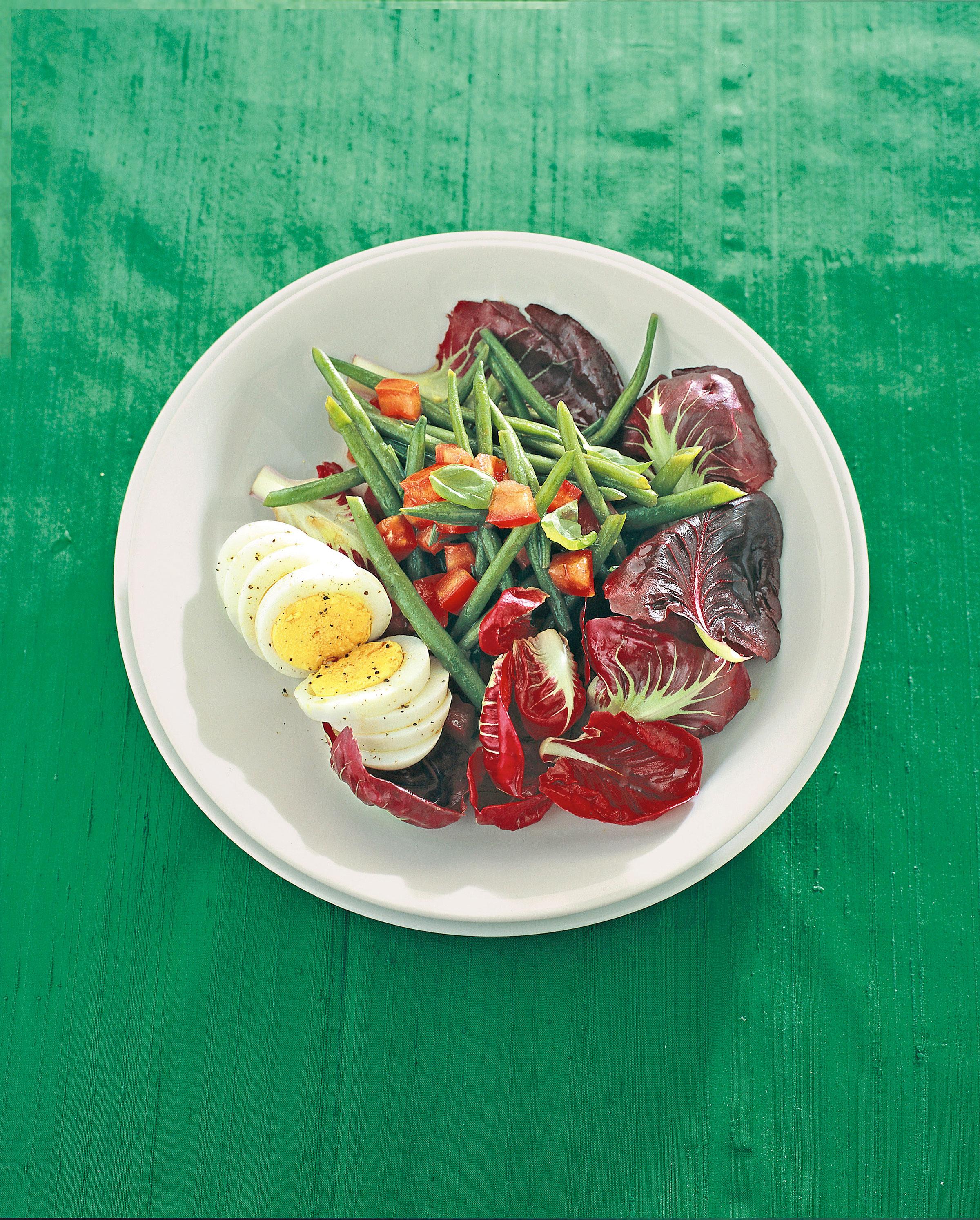 Radicchio rosso fagiolini e uova al profumo di basilico for Uova di pesce rosso