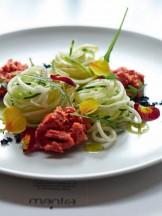 spaghetti di zucchina con salsa marinara