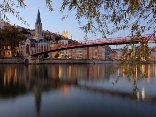 Lione: Passerelle Saint George. La Saône.