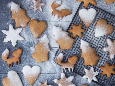 Pepparkakor-biscotti-speziati-senza-burro