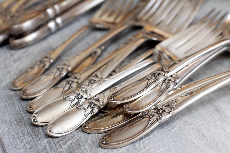 Posate Argento Come Pulirle pulire argenteria, porcellane e cristalli: i consigli della