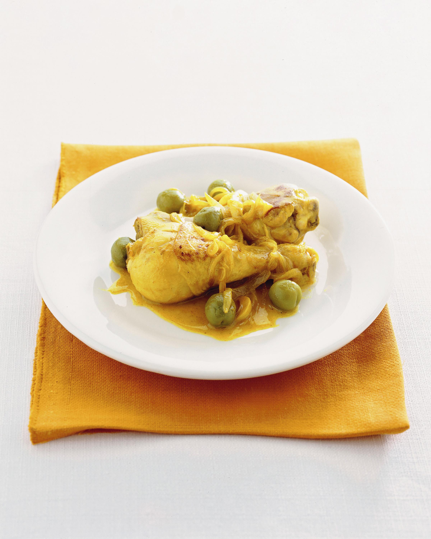 Cosce di pollo alle olive in padella sale pepe - Come cucinare le cosce di pollo in padella ...
