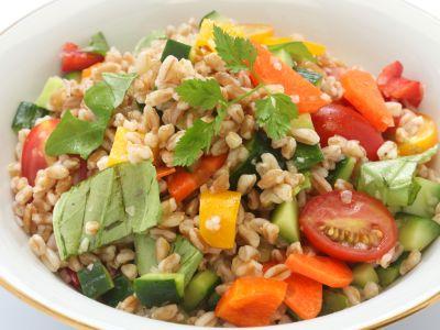 insalata-farro-peperoni-pomodorini